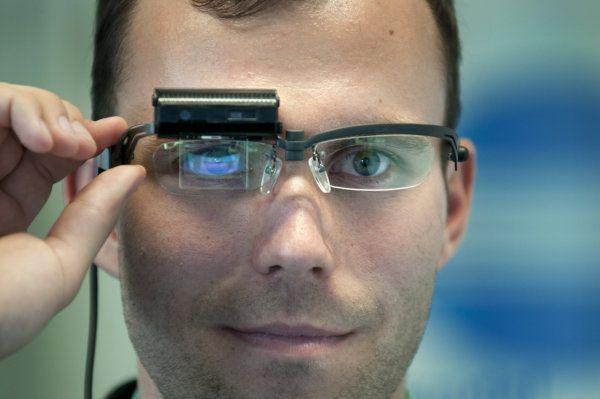 Studenti VUT se zapojí například do vývoje nové generace inteligentních brýlí Konica Minolta