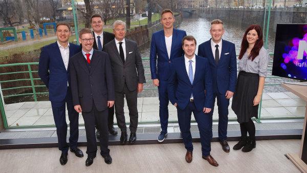 Český tým agentury MSL, šéf Michal Procházka je druhý zleva