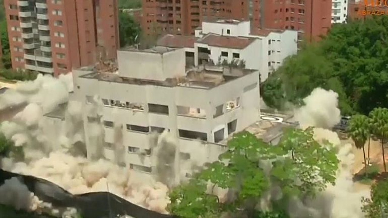 Kolumbijské úřady vyhodily do povětří dům narkobarona Escobara. Řídil odtud svůj drogový kartel.