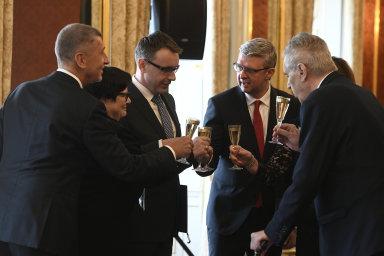 Prezident Miloš Zeman jmenoval 30. dubna 2019 na Pražském hradě Karla Havlíčka, Vladimíra Kremlíka a Marii Benešovou novými ministry dopravy, průmyslu a obchodu a spravedlnosti.