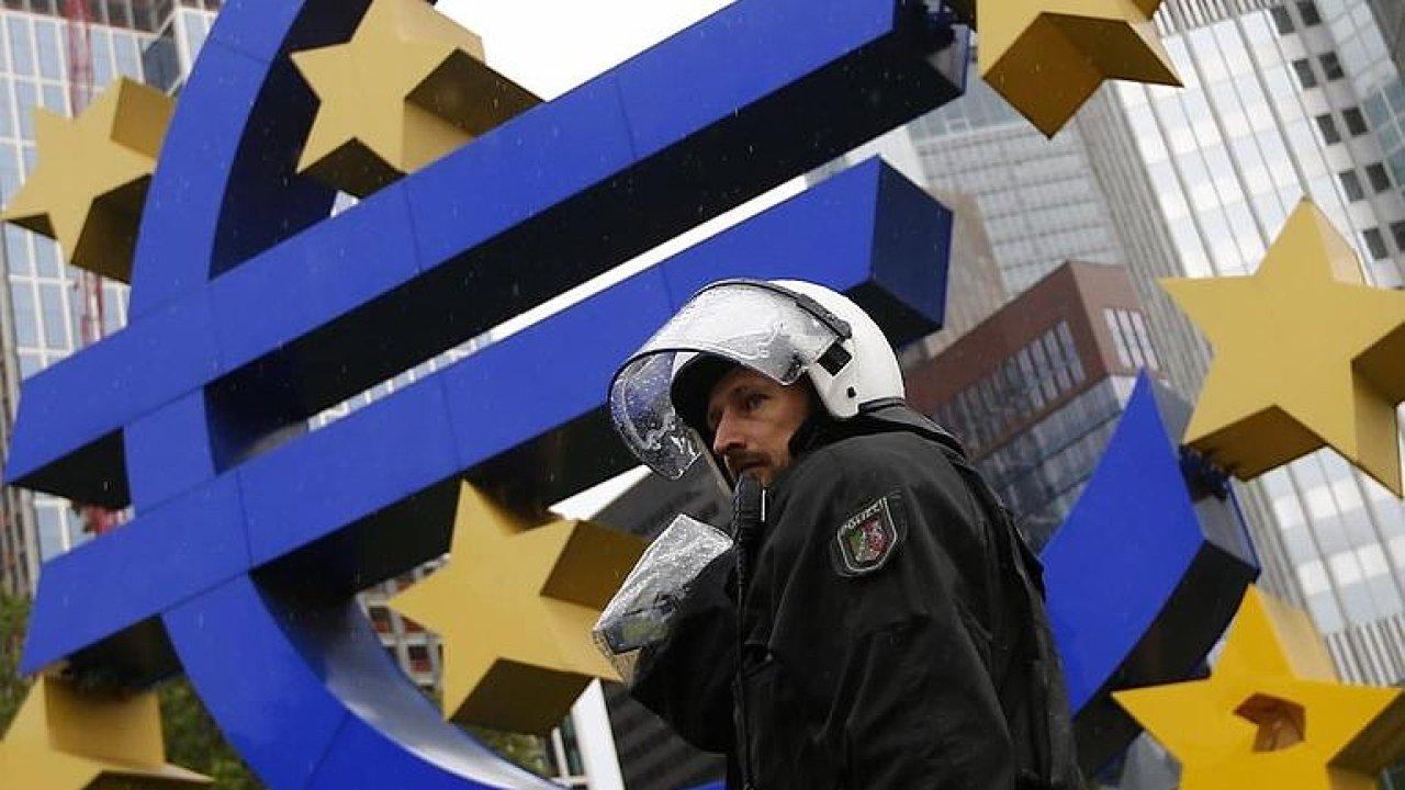 Video: Čeká Evropu ekonomická krize? HDP v Německu klesá.