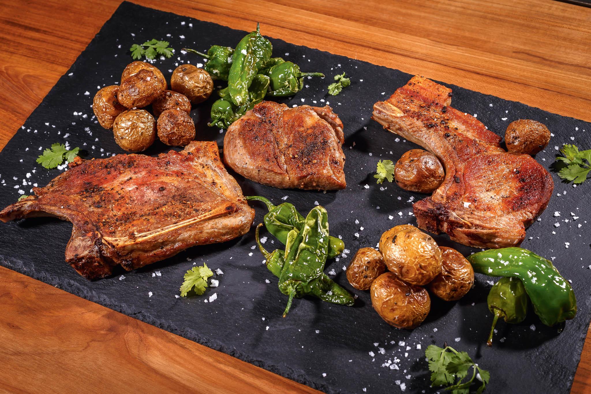 Vepřové prkno: 1 kg vepřových steaků