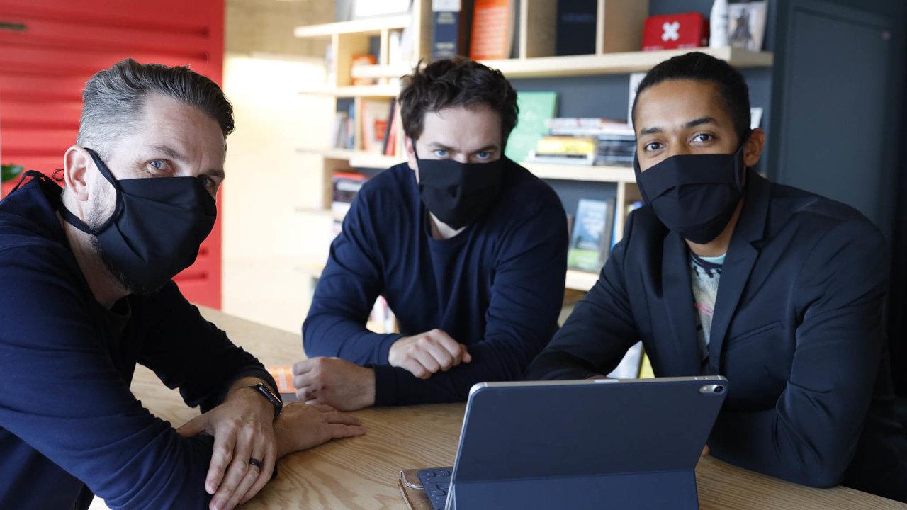 Organizátory The Anti-panic Conference jsou (zprava) Yemi A.D. z firmy JAD Productions a Milan Šemelák s Vítem Šubertem ze společnosti Unicorn Attacks.