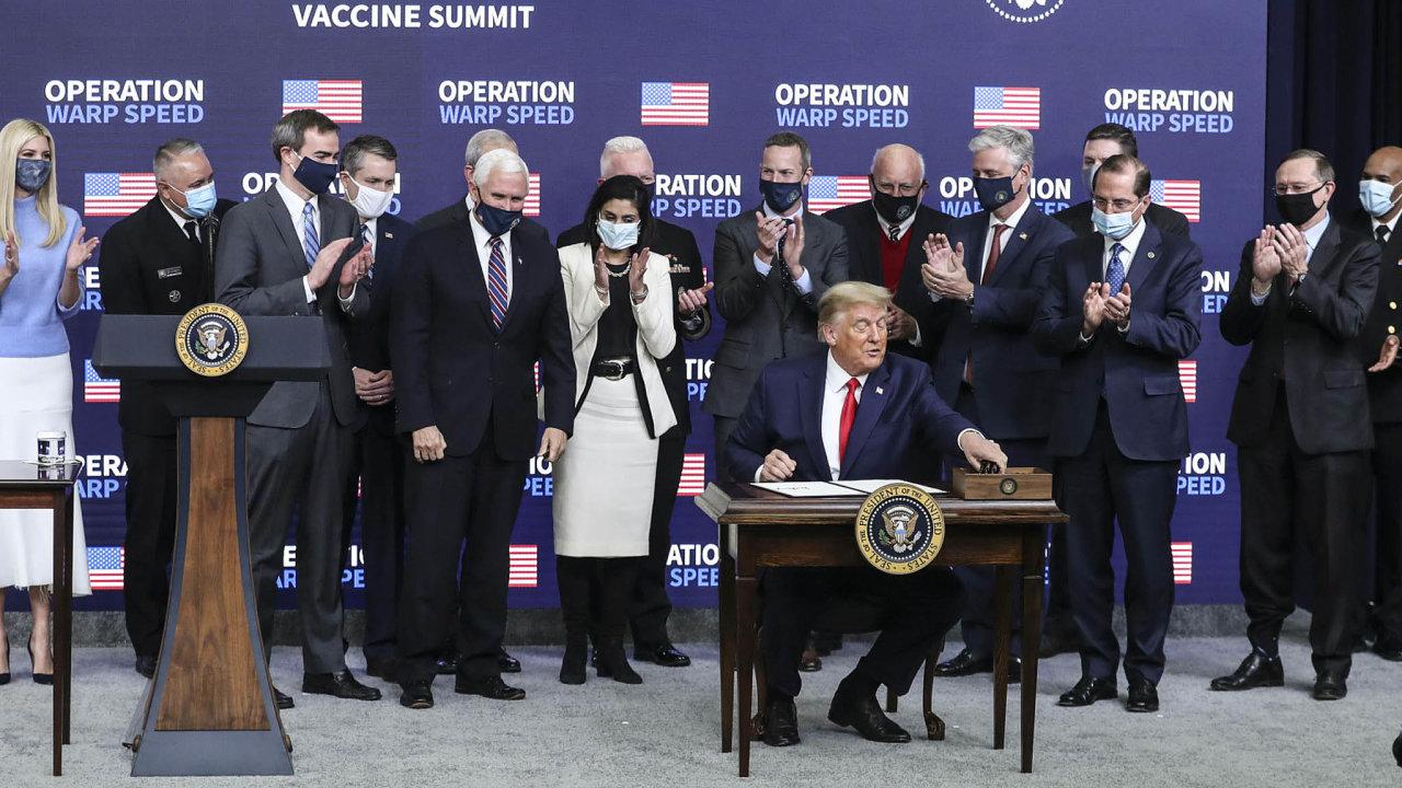 Jedna věc se prezidentu Trumpovi povedla, i když nebyla tolik vidět – program vývoje vakcíny Warp Speed.