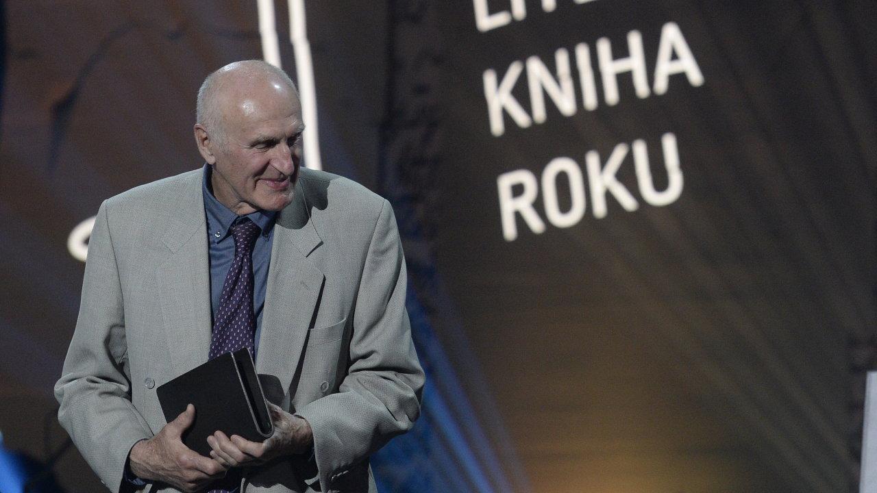 Hlavní vítězce cen Magnesia Litera – anglista a překladatel Martin Hilský.