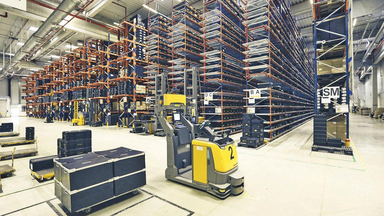 Jednotlivé části výroby jsou zásobovány dvěma nakládkovými místy.
