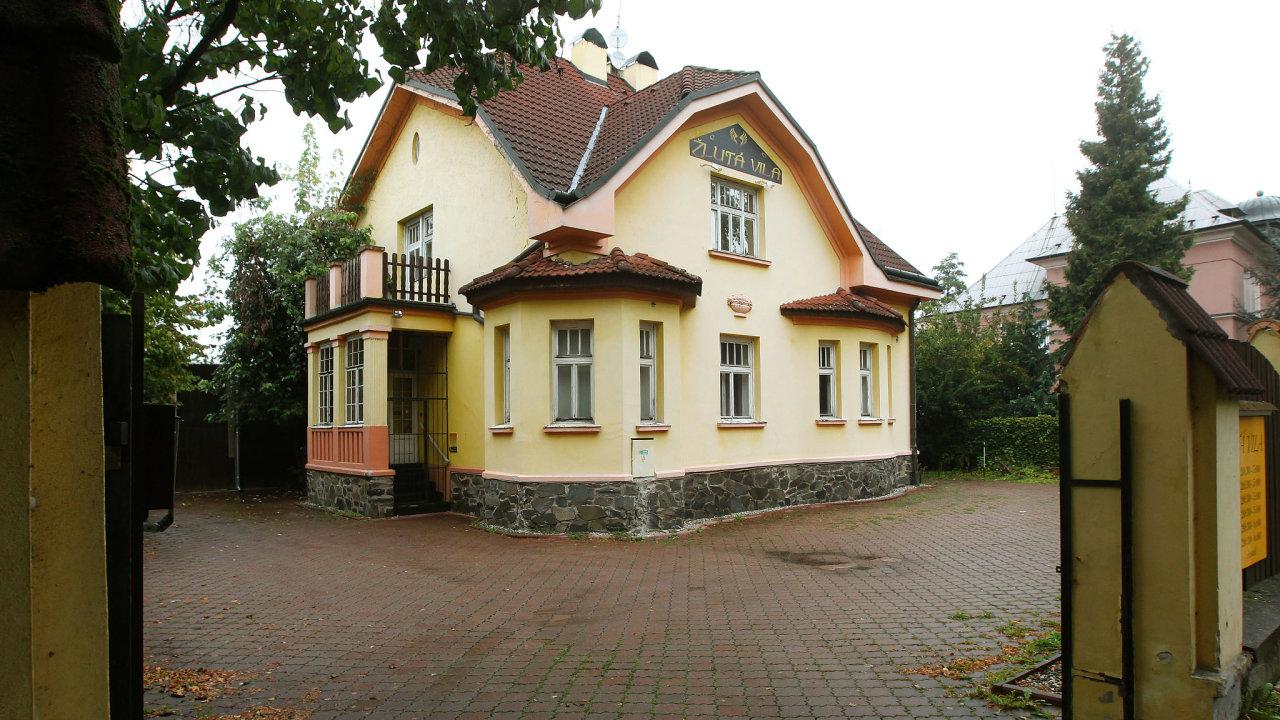 Provozovatel olomoucké Žluté vily dodává zdravotnický materiál do nemocnic ve Vyškově a Olomouci