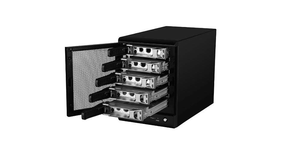 Diskové pole s redundantními disky chrání data v případě fyzického selhání