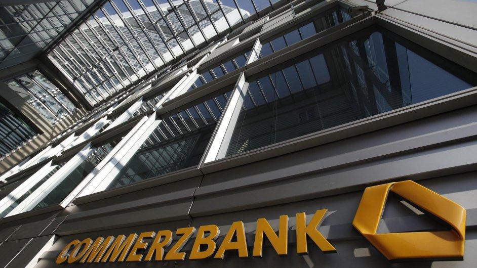 Ilustrační foto - Vstup do sídla německé banky Commerzbank v Berlíně