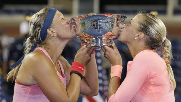 Lucie Hradecká a Andrea Hlaváèková slaví titul na US Open