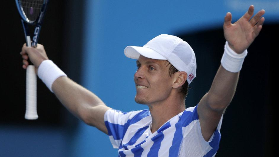 Tomáš Berdych se raduje po výhře nad Davidem Ferrerem.