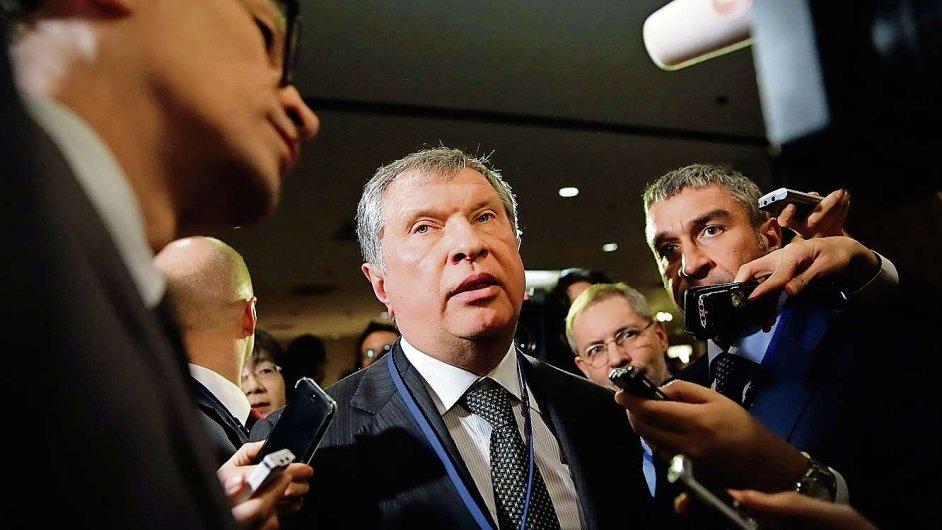 Šéf ruského ropného koncernu Rosněfť Igor Sečin komentuje sankce.
