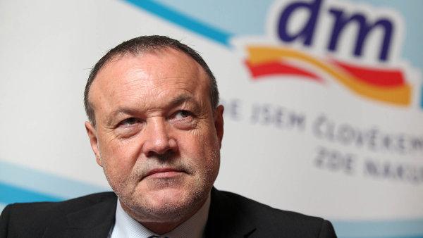 Gerhard Fischer, jednatel řetězce dm drogerie markt v Česku.