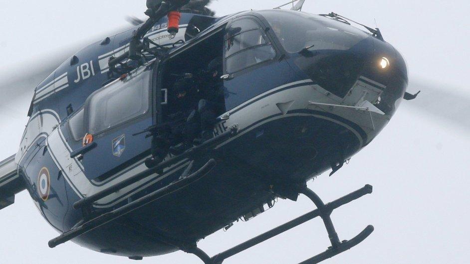 Helikoptéra s francouzským zásahovým týmem