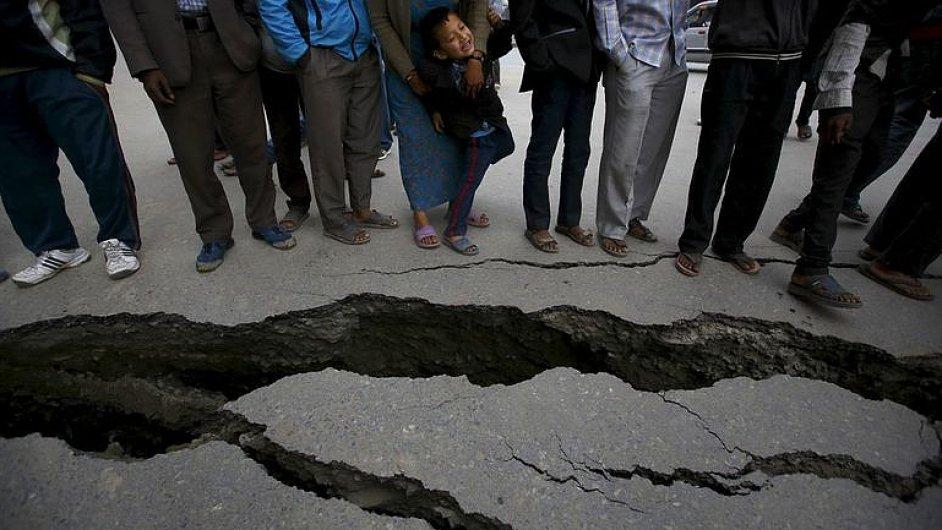 Varovat před zemětřesením pořád nikdo neumí, říká seizmolog Aleš Špičák - Ilustrační foto.