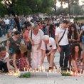 V alb�nsk� metropoli Tiran� se konalo pietn� shrom�d�n�, lid� uctili pam�tku dvou �esk�ch turist�.