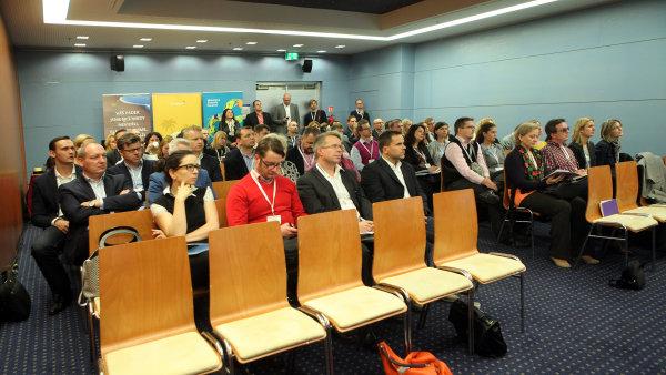 Forum Media 2015