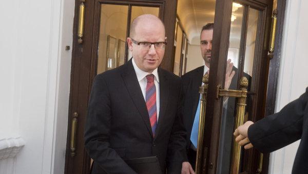 """Vystoupení Česka z unie by podle Sobotky znamenalo """"hospodářský a bezpečnostní úbytek""""."""