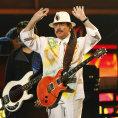 Kytara se mi prom�nila v hada, vzpom�nal Santana na festival Woodstock. Te� kapelu obnovil