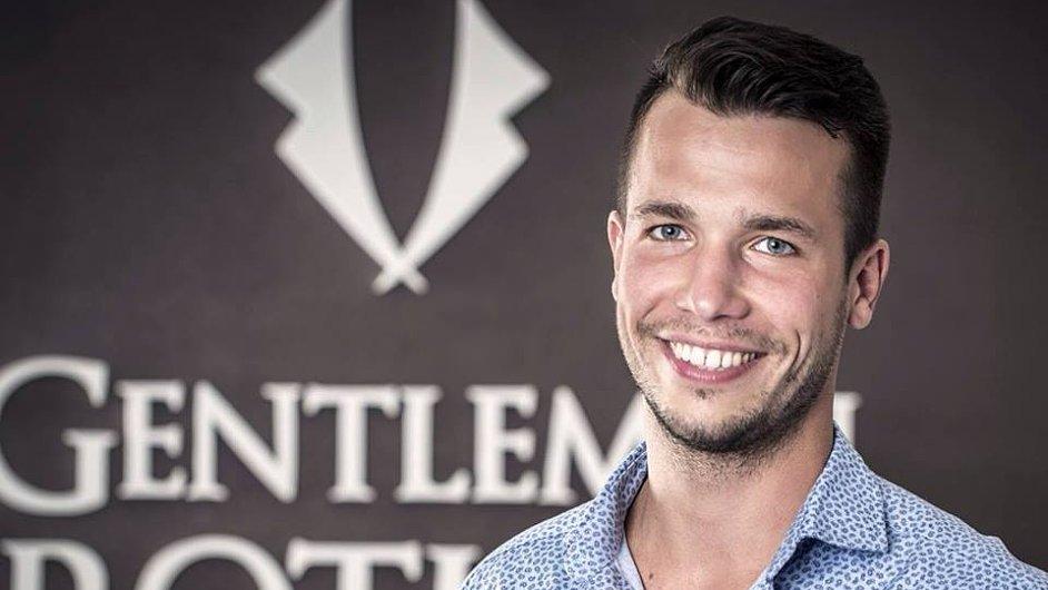 Tomáš Kucek je spolumajitel holičství Gentlemen Brothers.