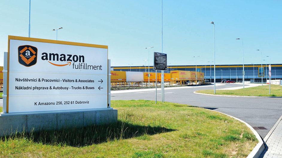 Amazon otevřel i zbytek svého obřího skladu