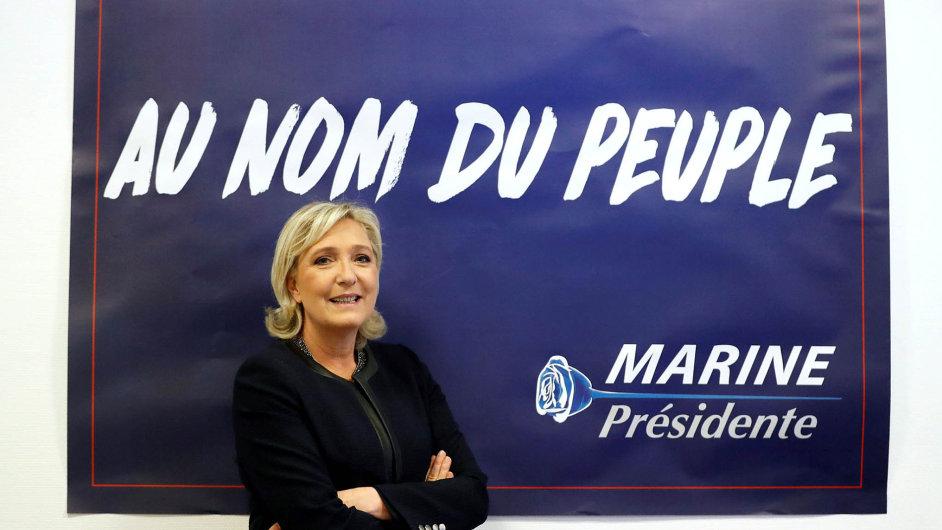 Favoritka. Marine Le Penová by se měla přinejmenším dostat do druhého kola prezidentských voleb ve Francii.