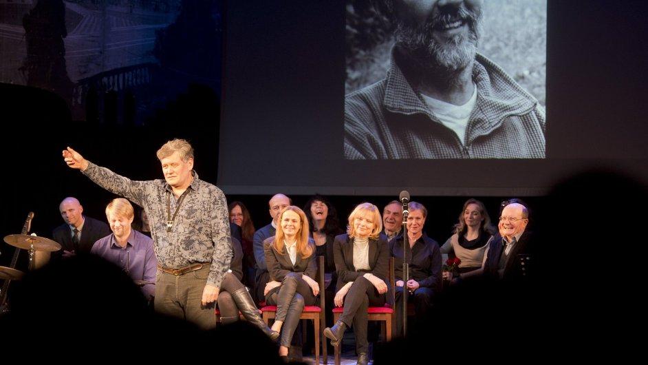 Divadlo v Dlouhé se s Janem Bornou rozloučilo nadvakrát, poprvé už v pátek (na snímku).