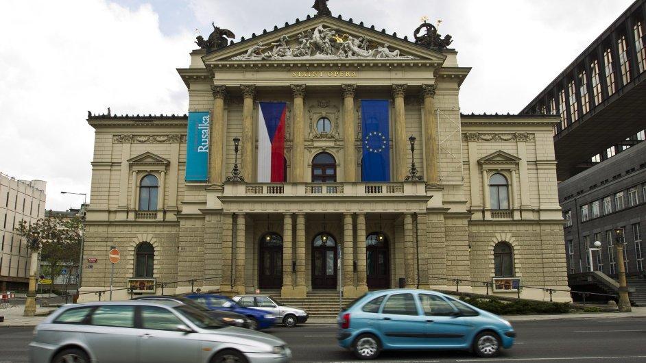 Budova Státní opery bude na rekonstrukci zřejmě čekat o mnoho déle.