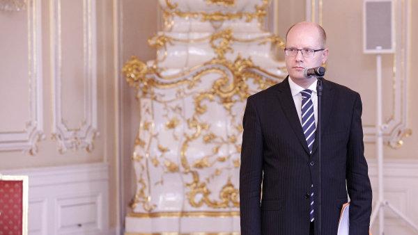 Vládní krize, které čelí Bohuslav Sobotka, není ani v tomto století první.