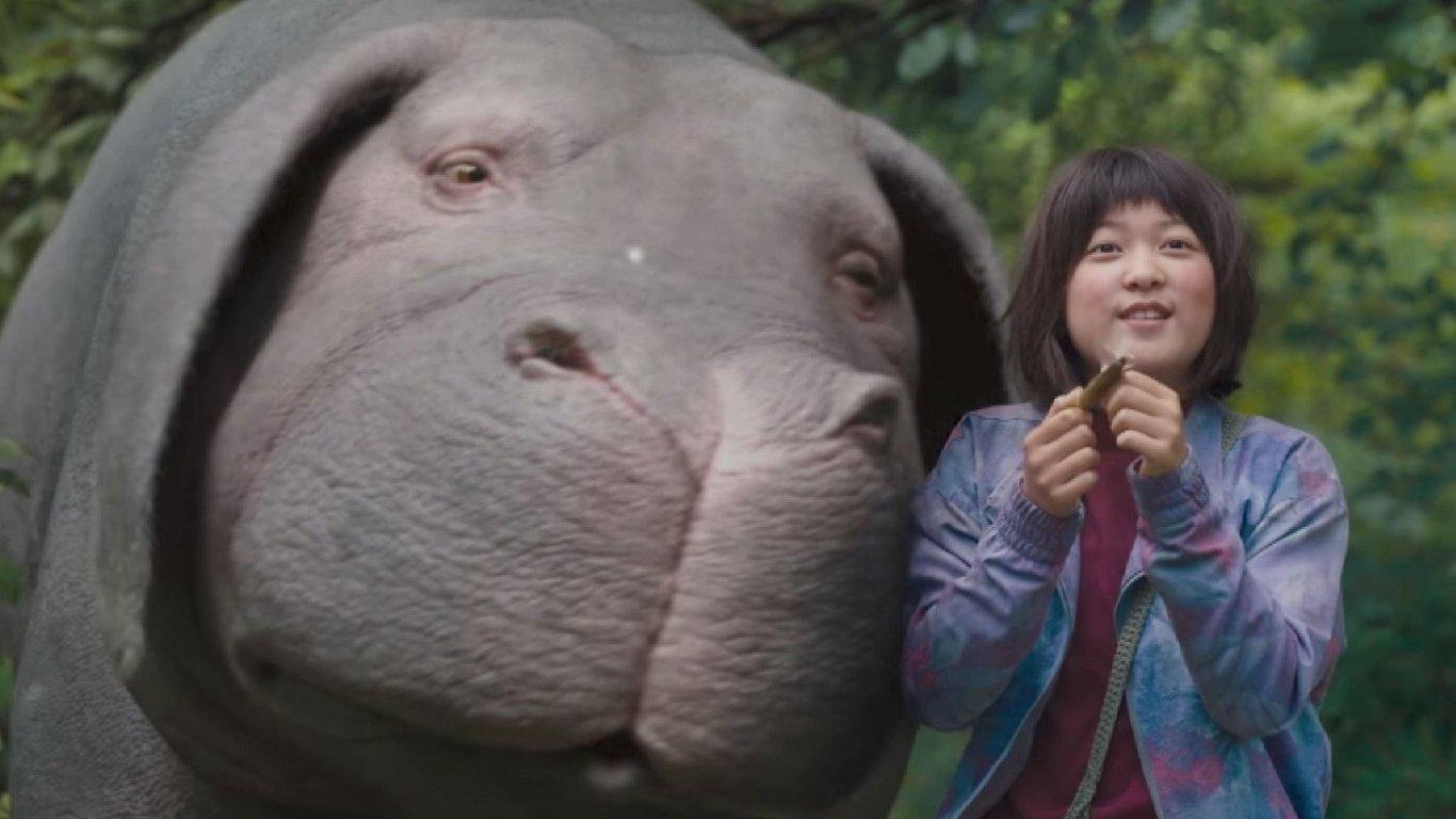 Ve chvílích, kdy se ještě holčička povaluje s Okjou v lůně korejské přírody, může snímek konkurovat těm nejlepším disneyovkám.