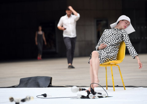 Snímek ze čtvrteční části vystoupení Miřenky Čechové a Sabine Seumeové.