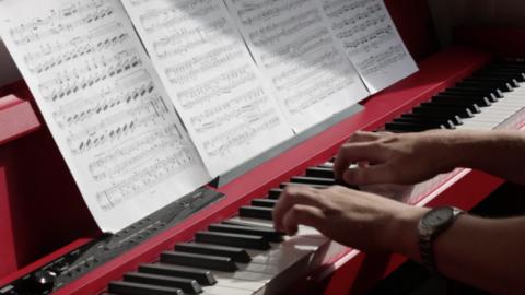 Salsita_Software_a_lekce_hry_na_klavir.png
