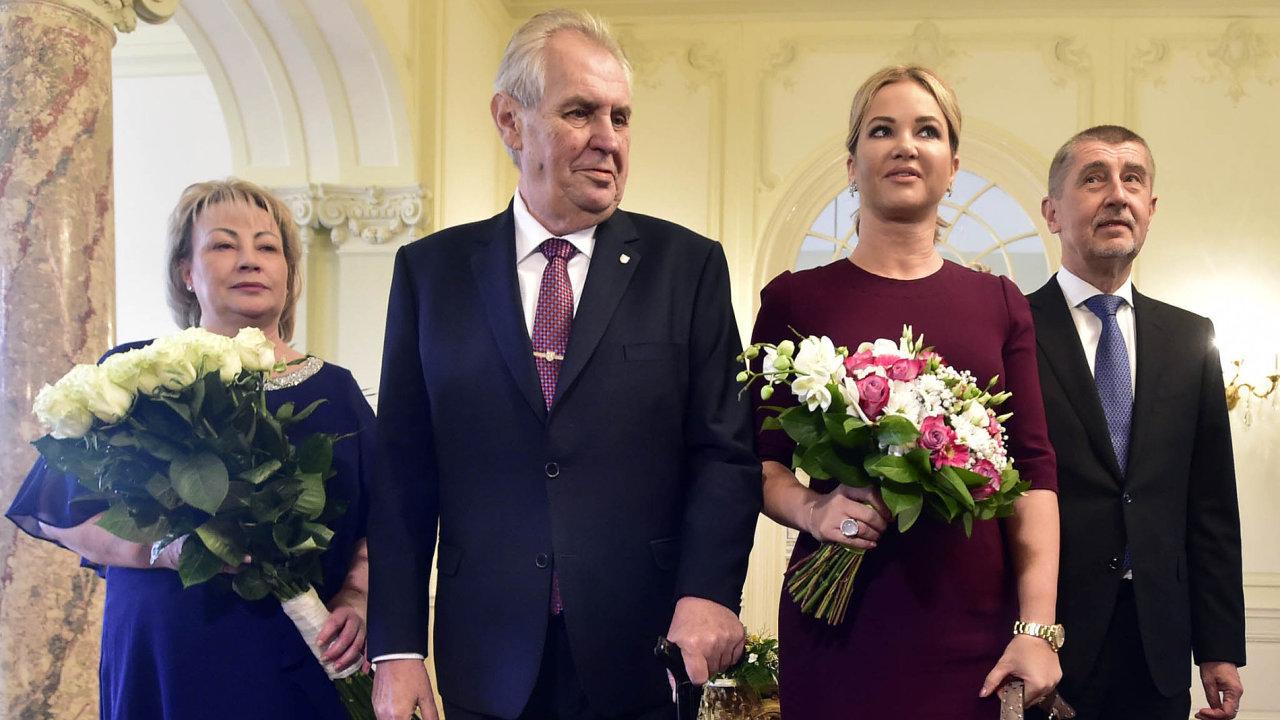 Oběd předvolbami: Prezident Miloš Zeman smanželkou Ivanou poobědvali v úterý spremiérem Andrejem Babišem (ANO) ajeho manželkou Monikou vLánech.