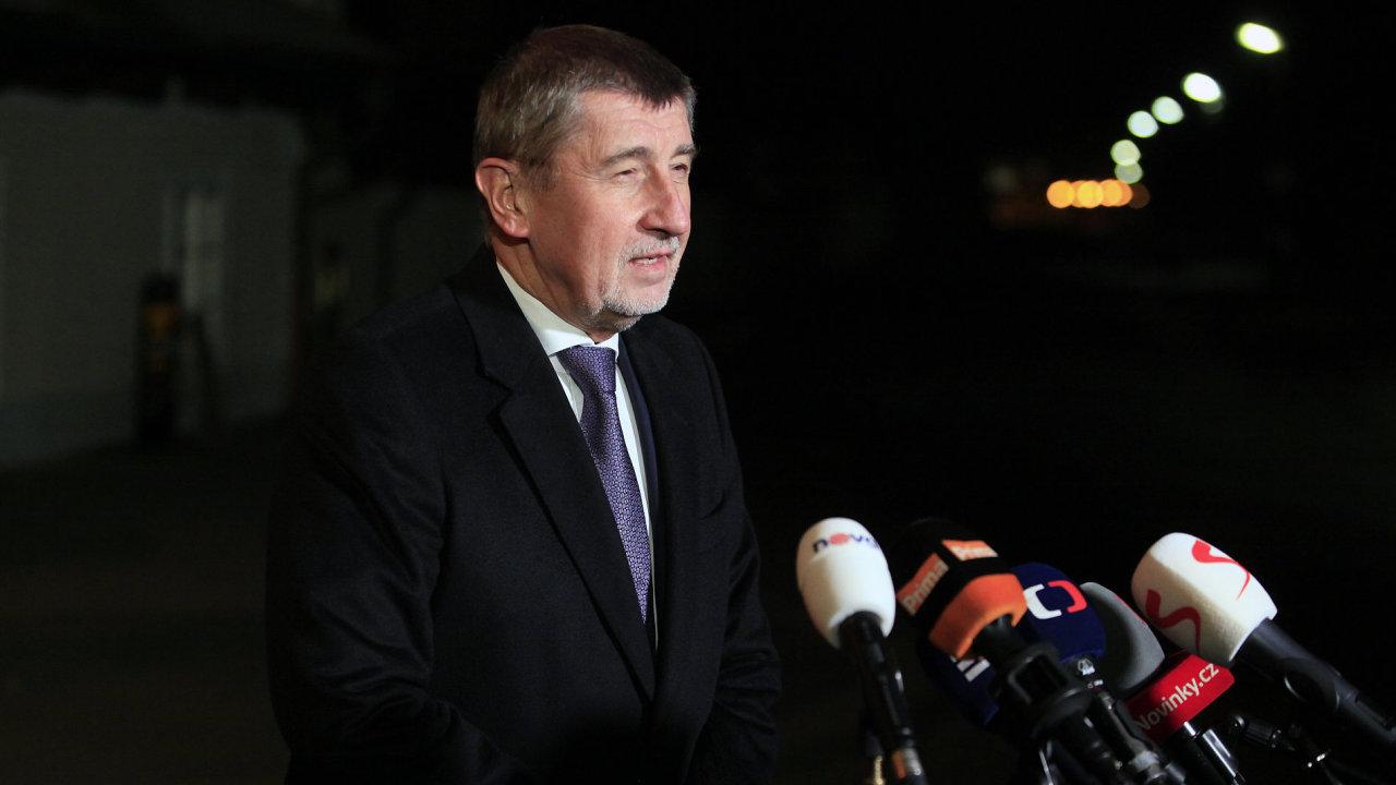 Premiér v demisi Babiš protestující taxikáře pozval na jednání vlády.