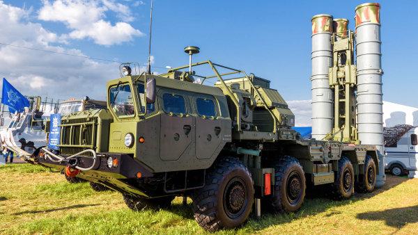 Moderní systém protivzdušné obrany S-400 Triumf.