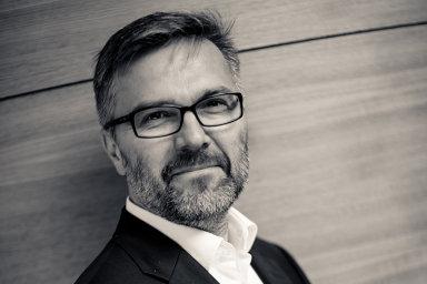 Vladimír Matouš do Raiffeisenbank přichází z pozice člena představenstva Tatra banky, kde měl rovněž na starosti IT divizi.