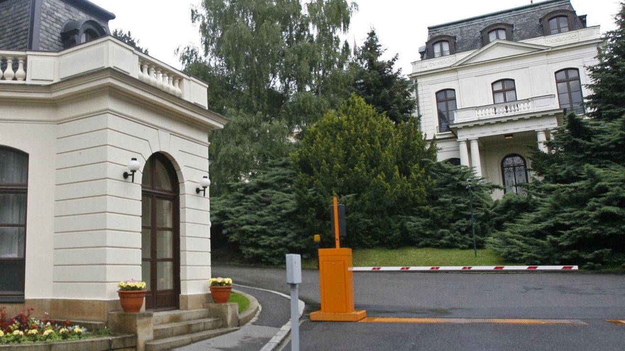 Ruské velvyslanectví v Praze je v rámci Evropské unie jedním znejvětších.