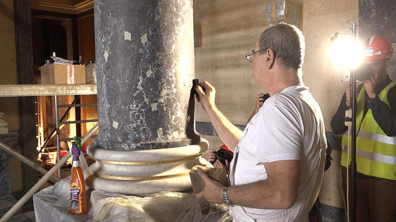 Rekonstrukce Národního muzea se blíží k závěru. Restaurátoři i malíři už dokončují svou práci