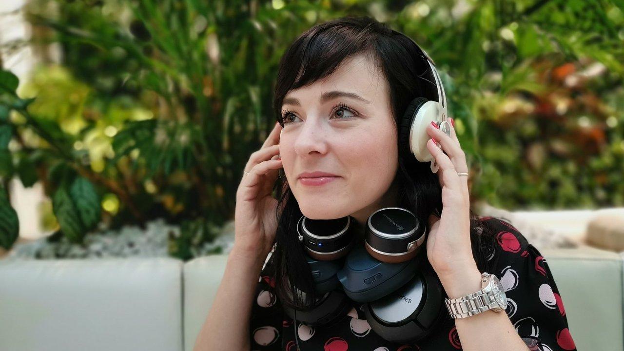 Vybrat s ideální sluchátka není snadné, rozhodovat může i design