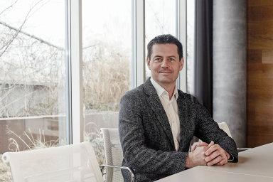 Skupina KKCG podnikatele Karla Komárka se v posledních měsících zbavila hned několika firem ze svého portfolia.