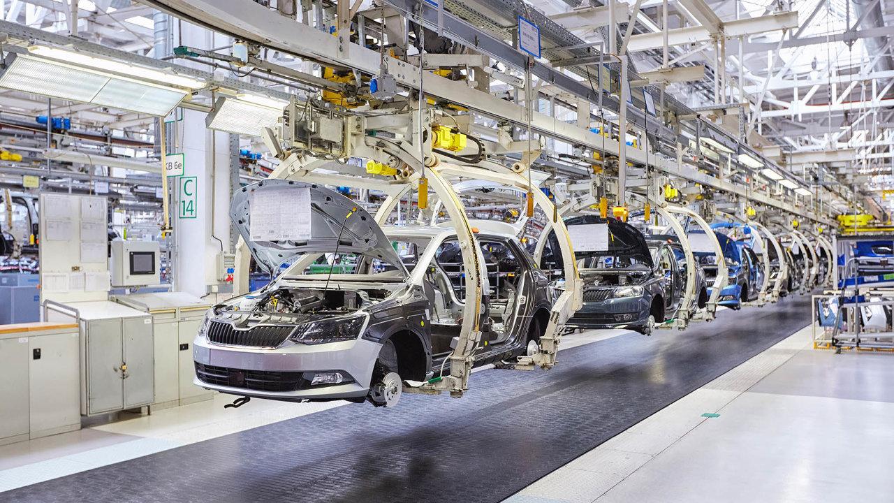 Průmysl vČesku meziročně poklesl. Podle Českého statistického úřadu se průmyslová produkce propadla o3,8 procenta. Nové zakázky se snížily dokonce o9,9 procenta.
