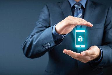 Zatímco ještě nedávno patřila kvrcholu mobility možnost přistupovat kpracovnímu e-mailu zmobilního telefonu, dnes mají firmy celé sady vcloudu provozovaných aplikací.