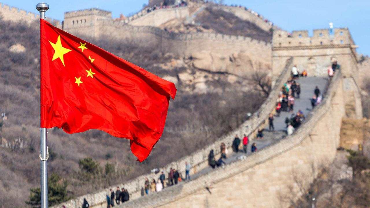 Čínští úředníci jsou stále dotěrnější.
