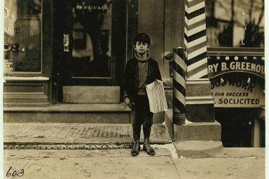 Devítiletý prodavač novin Tommy De Lucco. Hartford, Connecticut. Březen 1909.