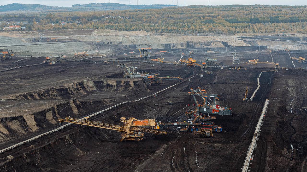 Hnědé uhlí v Česku dobývají Severočeské doly ze skupiny ČEZ, Sev.en Energy Pavla Tykače a Sokolovská uhelná (na snímku) většinově ovládaná Františkem Štěpánkem.