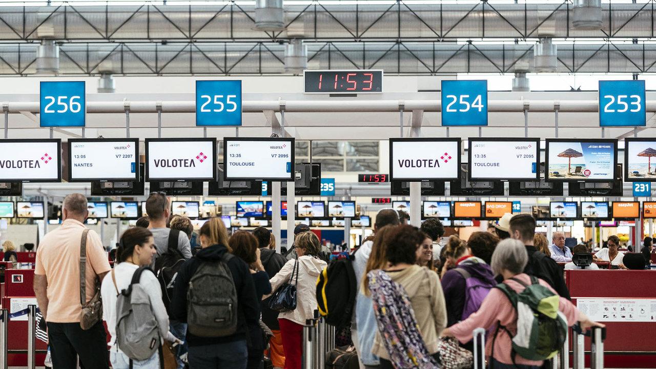 Některé letenky lze pořídit opravdu levně. Ale pozor na problémy při vymáhání peněz v případě zrušeného letu.