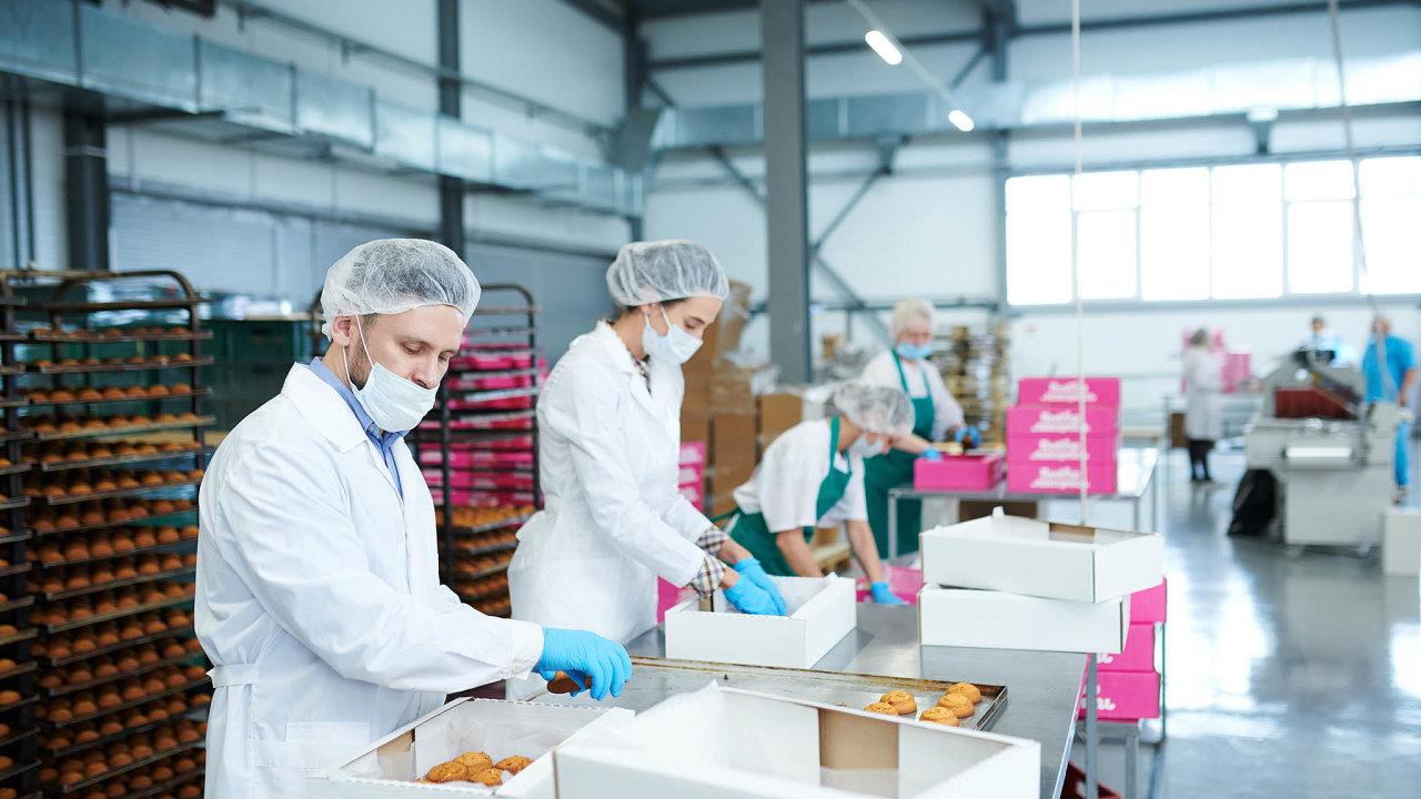 Malé astřední podniky se podílí nadvou pětinách českého HDP avíce než polovině vývozu. Firmy do250 zaměstnanců jsou navíc těmi, kdo vkrizi drží zaměstnanost.