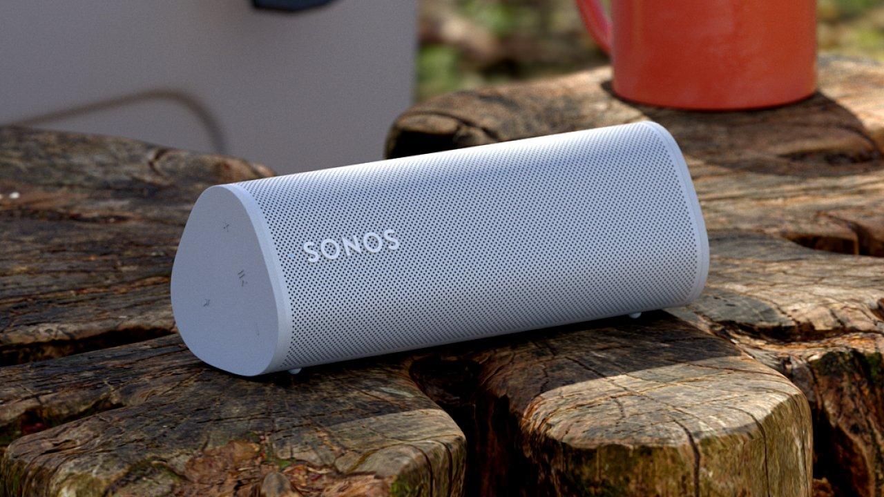 Sonos Roam je součástí wi-fi zvukového systému i Bluetooth repráček na cesty.
