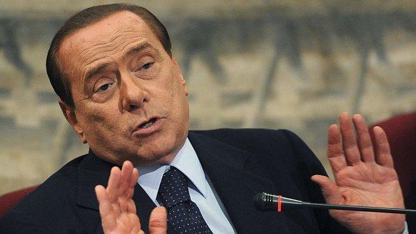 Silvio Berlusconi v současné době vlastní společnost Mediaset.