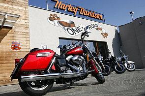V USA prozkoumaj� skoro p�l milion� motorek Harley-Davidson. Kv�li st�nostem na brzdy